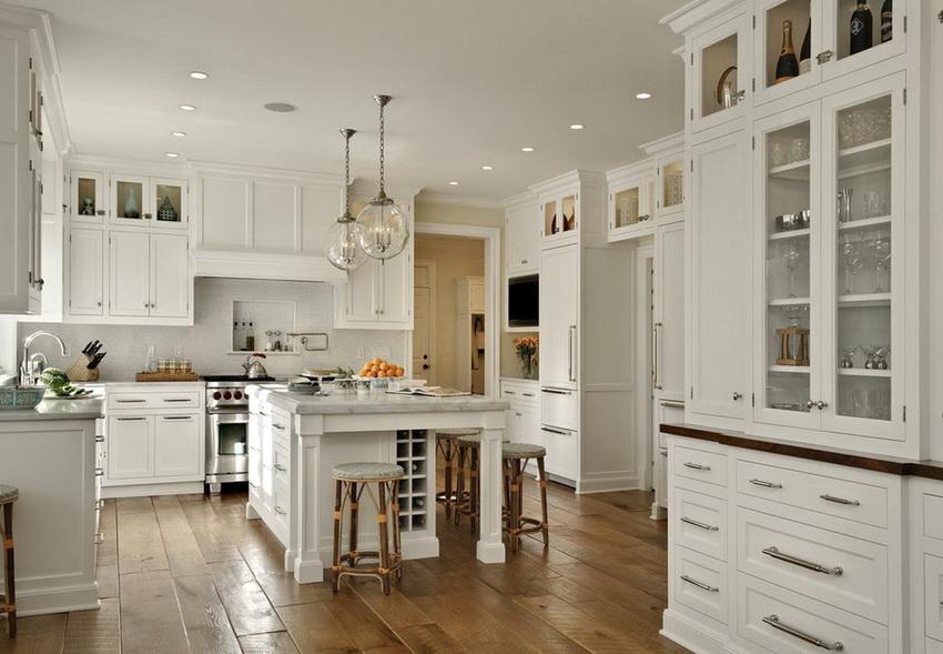 Чаще всего в стиле прованс используется однотонная отделка стен и белый потолок