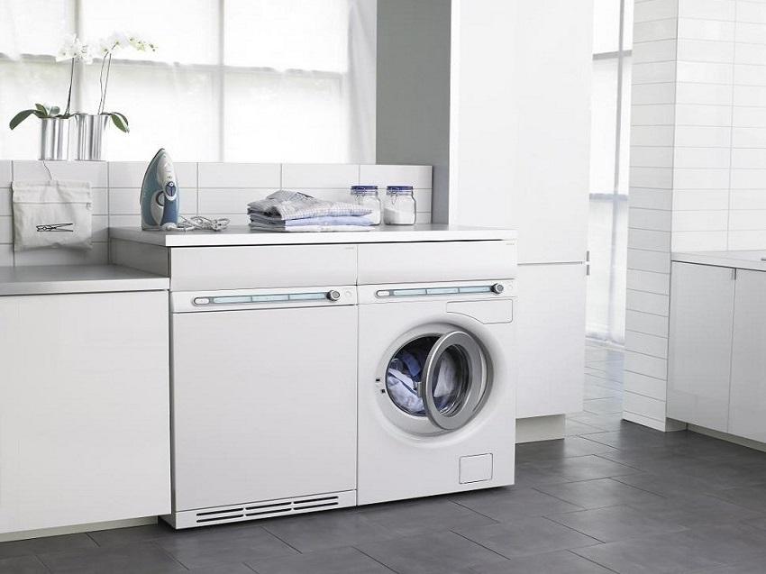 Особенности монтажа встраиваемых стиральных машин описаны в инструкции