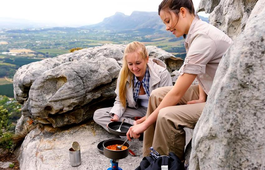 Портативные газовые источники открытого огня делятся на 2 вида – горелки и плиты