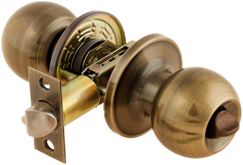 Круглые замки – наиболее подходящий вариант для межкомнатных дверей