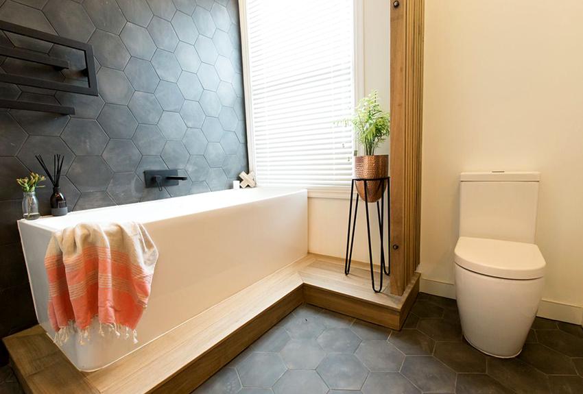 Для отделки ванной в скандинавском стиле желательно использование натурального дерева и камня