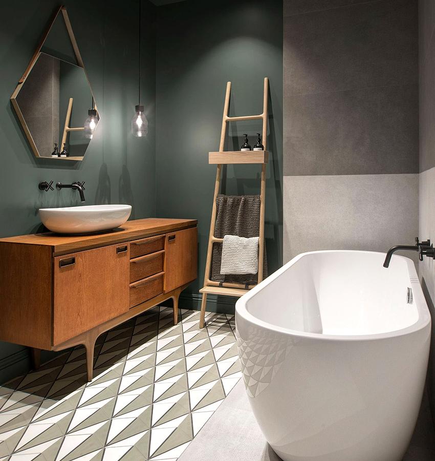 Для ванной в скандинавском стиле популярно сочетание серых и зеленых цветов