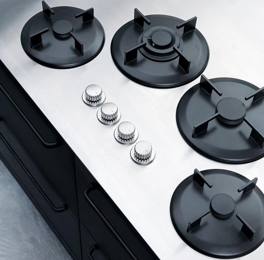 Для малогабаритной кухни газовая плита – оптимальное решение
