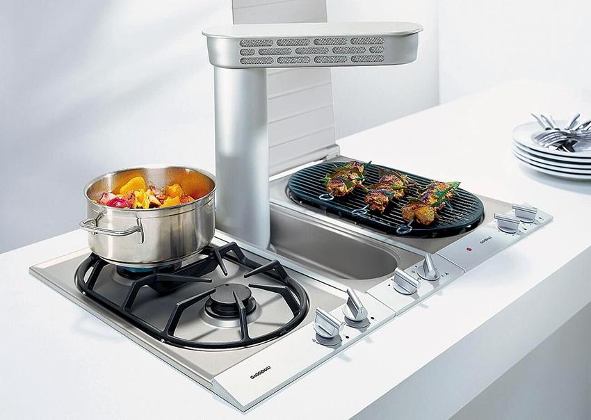 Плиты с решеткой позволяют готовить продукты, как на гриле