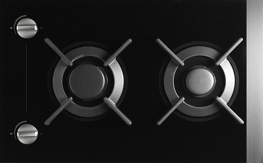 Двухконфорочная плита идеальный вариант для очень маленькой кухни