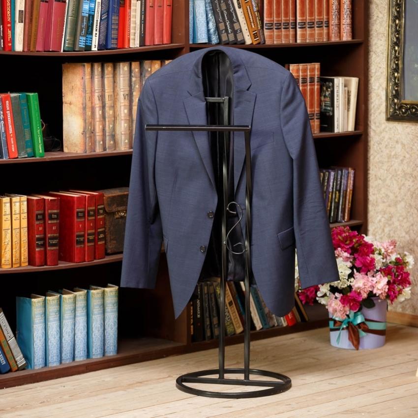 Костюмные вешалки – идеальное решение для хранения деталей делового гардероба