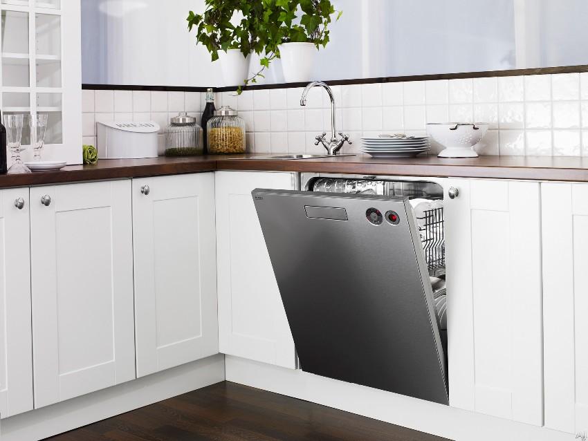 Вместительность загрузки посудомойки Бош шириной 60 см - 14-18 комплектов
