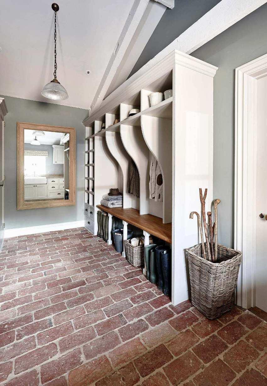 Небольшое помещение коридора имеет свою специфику, которую необходимо учитывать при разработке дизайн-проекта