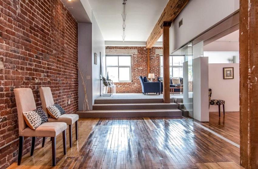 Главное требование к оформлению коридора в стиле лофт – сочетание неординарности и практичности