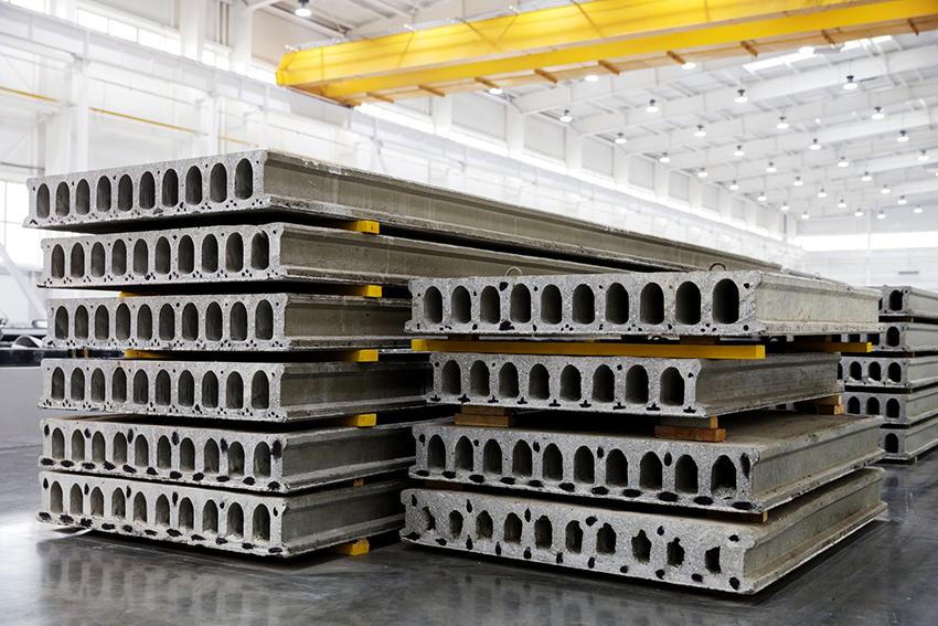 Если между несущими стенками не больше 6 м, то для перекрытия рекомендуется использовать железные плиты