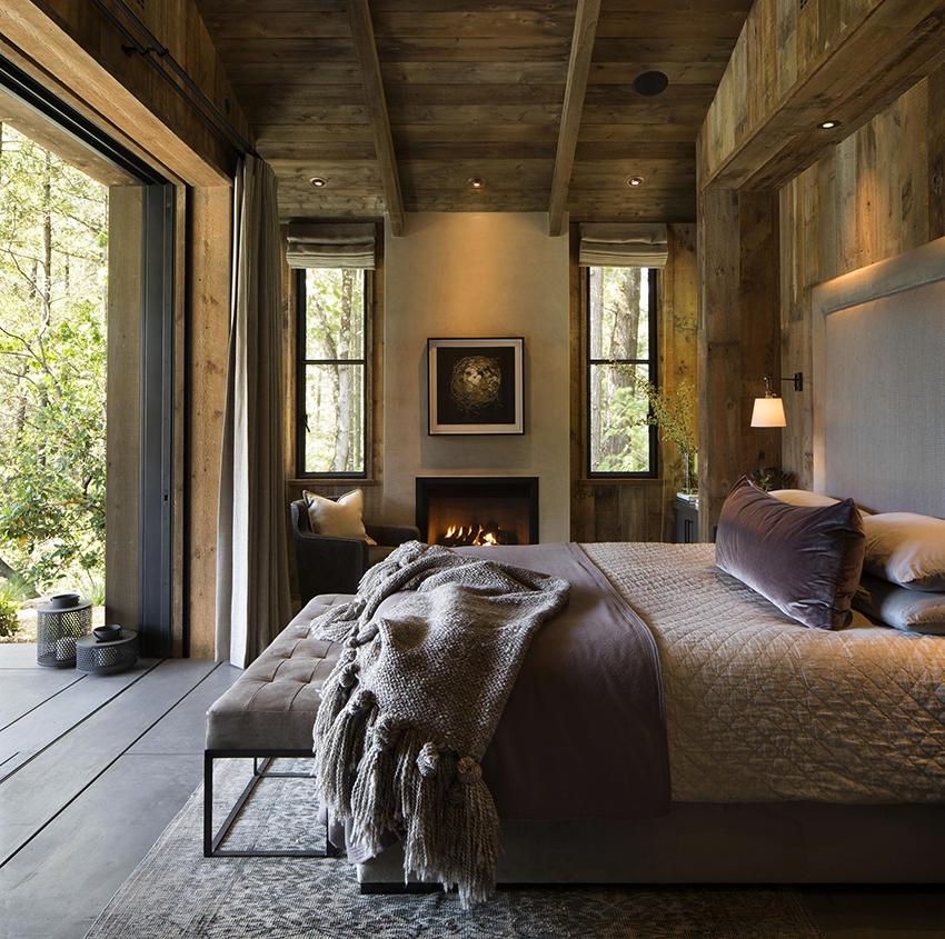Двуспальная кровать должна подходить в спальню по габаритам и стилю