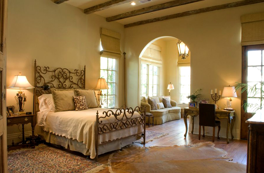 Минимальный размер двуспальной кровати составляет 140х200 см