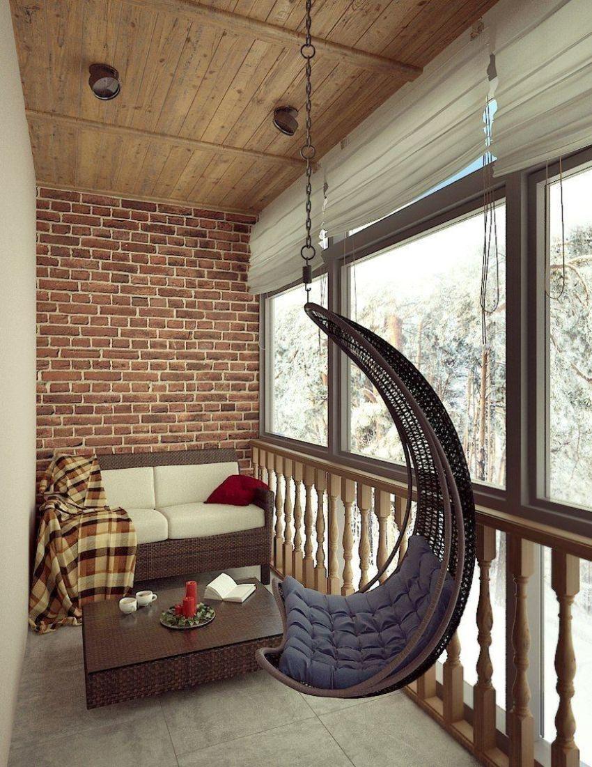 Для остекления французского балкона чаще всего используются пакеты из ПВХ