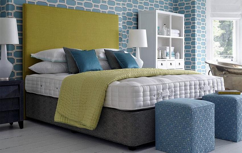 На двуспальную кровать не рекомендуется покупать два разных матраса