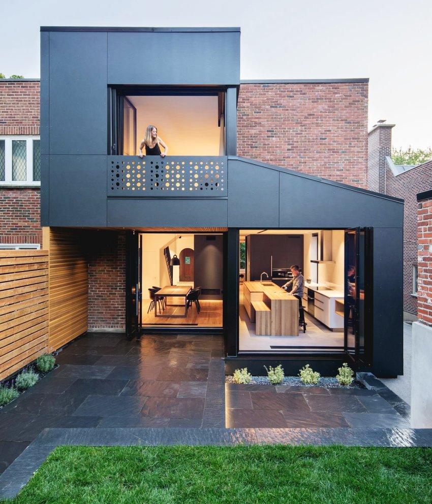 При наличии двух этажей можно идеально разделить зоны, например первый этаж гостиная и кухня, а второй этаж спальная зона