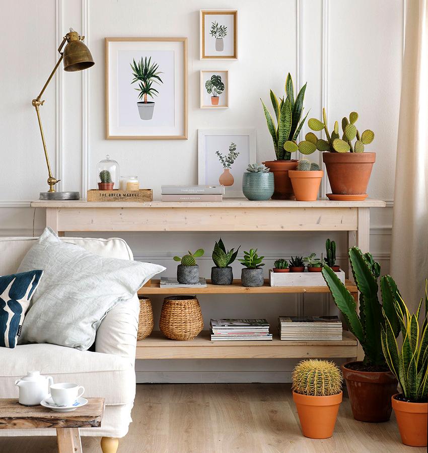 Консольный столик можно установить в любой из комнат дома