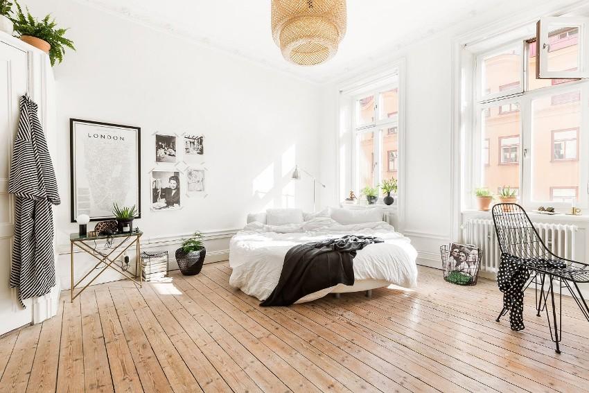 Круглые кровати не имеют острых выступов и, как правило, со всех сторон обиты мягким материалом, что делает их максимально безопасными