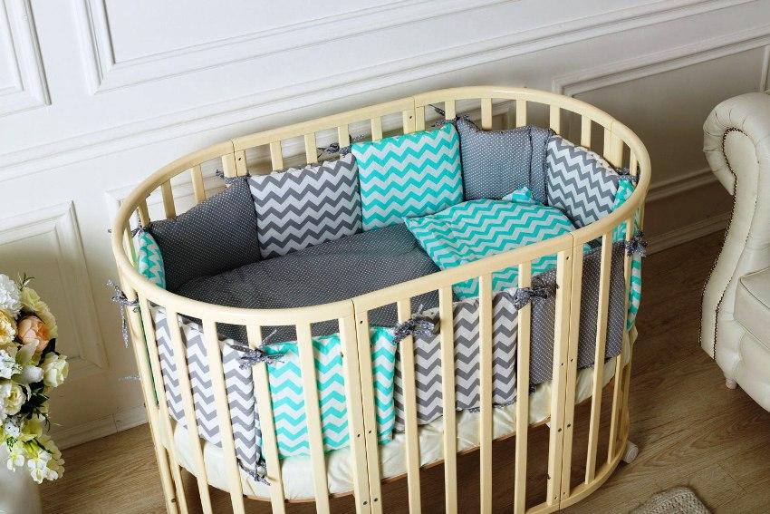 """Кроватка-трансформер для новорожденного способна """"расти"""" вместе с ребенком"""