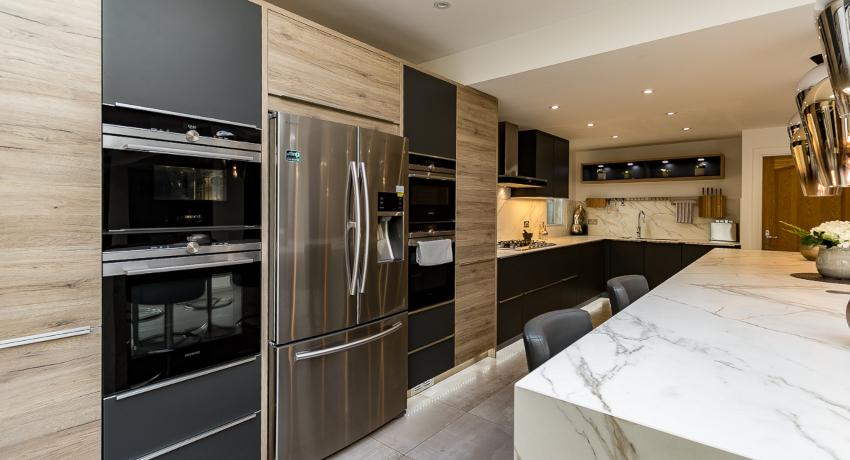 Кухня в стиле хай-тек: ультрасовременные и технологичные интерьеры