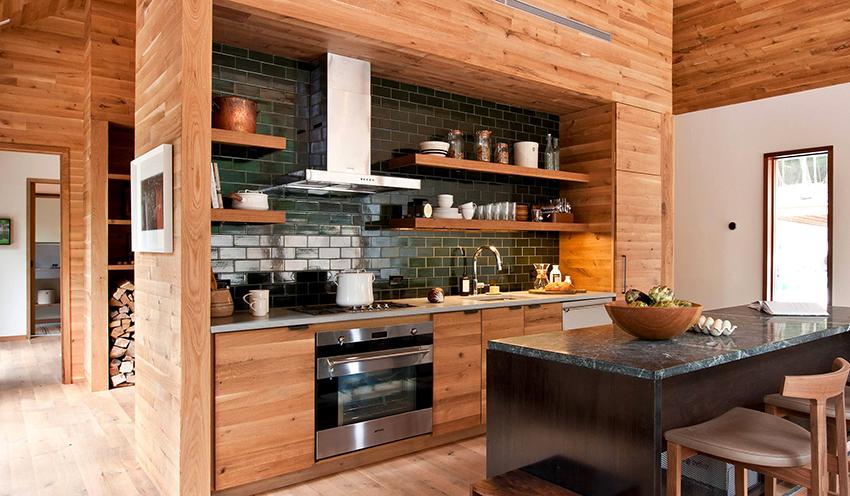 Кухня в стиле кантри должна быть лаконичной, функциональной и удобной