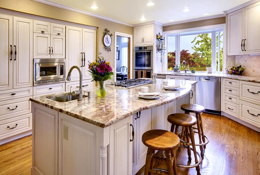 Классическим цветом для кухни в стиле кантри считается белый и его оттенки