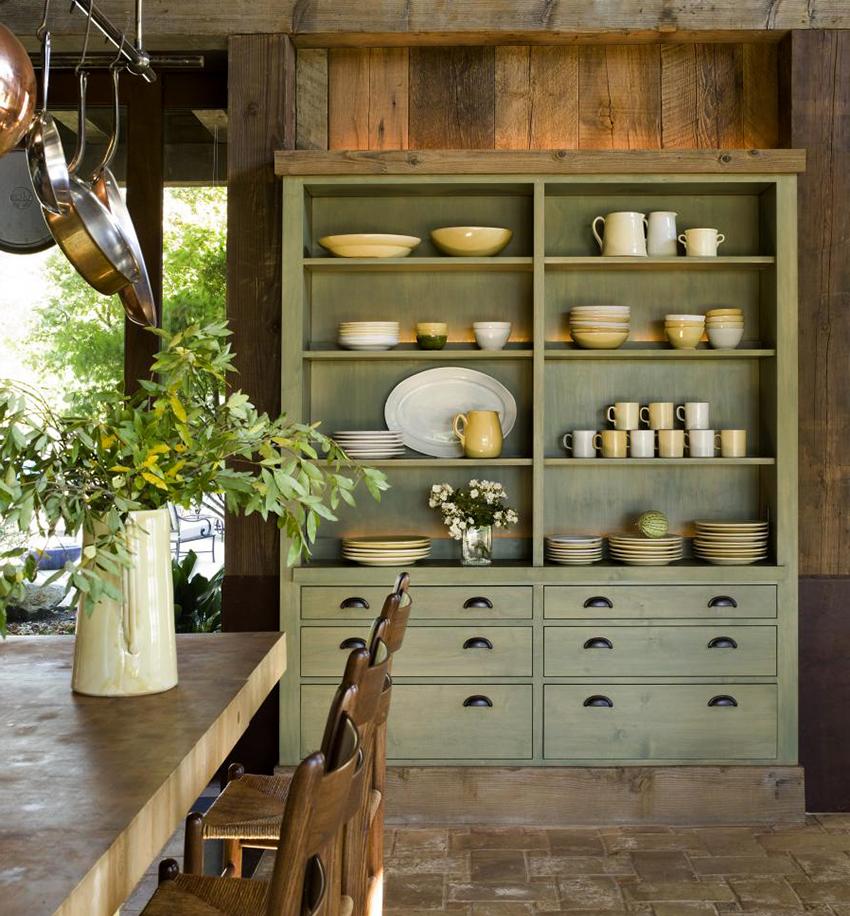 Натуральная древесина используется не только для изготовления мебели, но также и в отделке кухни