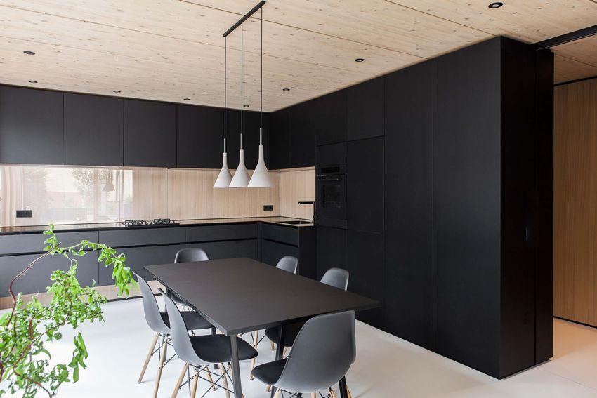 Стиль минимализм подходит для маленьких кухонь, ведь в небольшом помещении нет места для массивной мебели и излишних аксессуаров