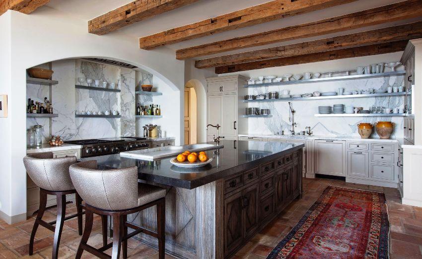 В прованском стиле применяются натуральные материалы: дерево, камень, керамика и, конечно, металл