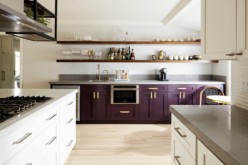 Чтобы кухня была удобной и функциональной необходимо грамотно разместить мебель