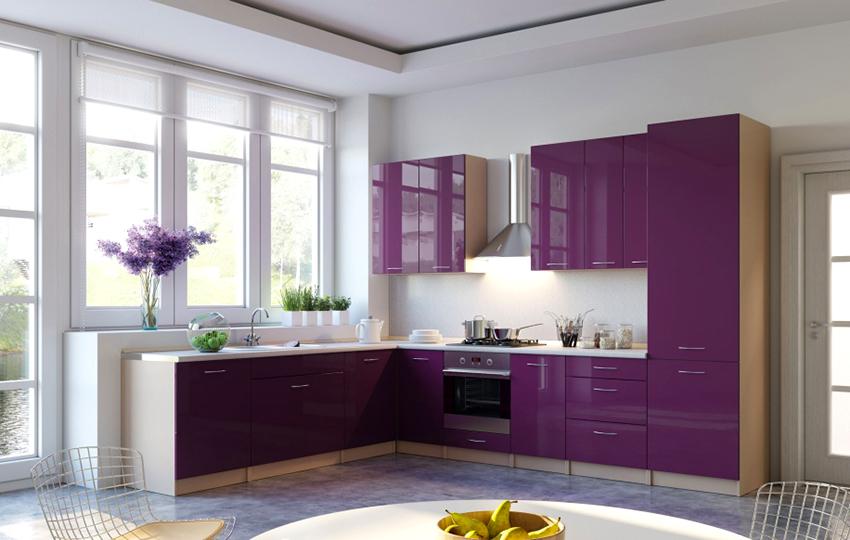 Для квадратной кухни оптимальным решение станет L-образная планировка