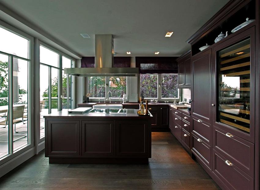 Мебель для кухни в стиле модерн характеризуется прямыми линиями и гладкими поверхностями