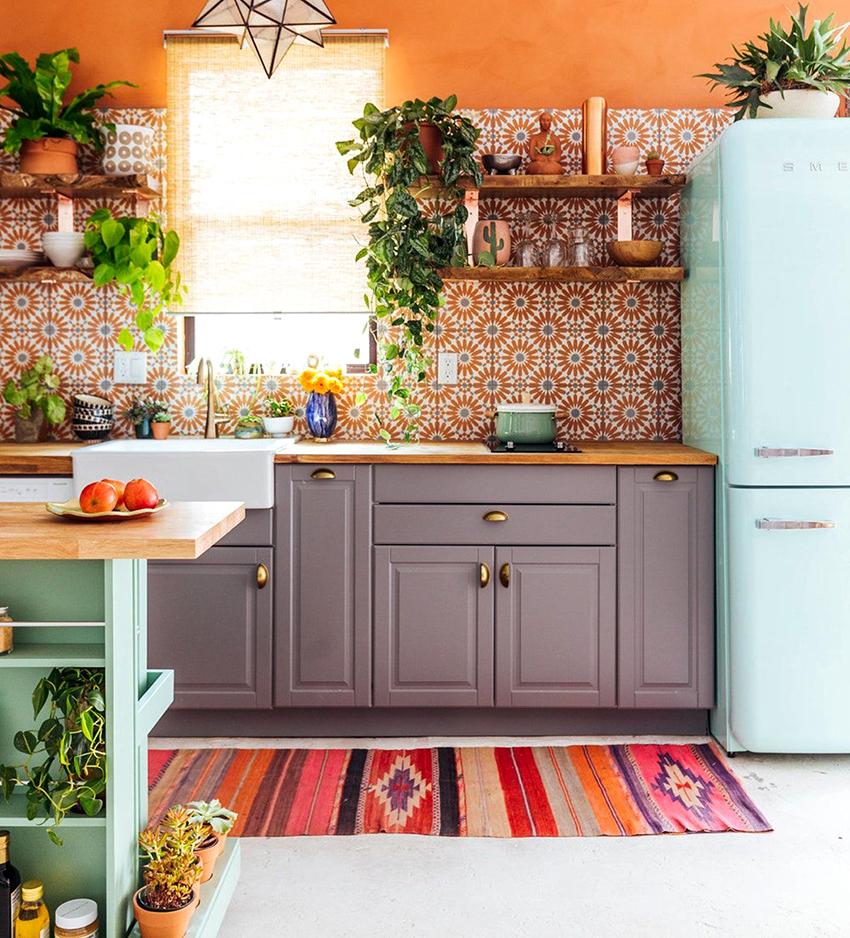 Учитывая габариты помещения подбирается форма размещения мебели