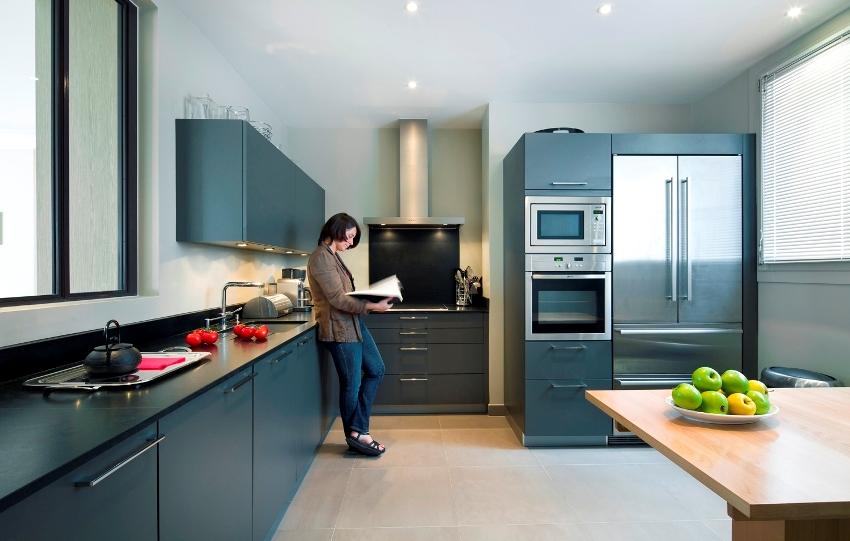 Размеры кухонных шкафов могут быть разными, что дает возможность выбрать оптимальный вариант для помещения