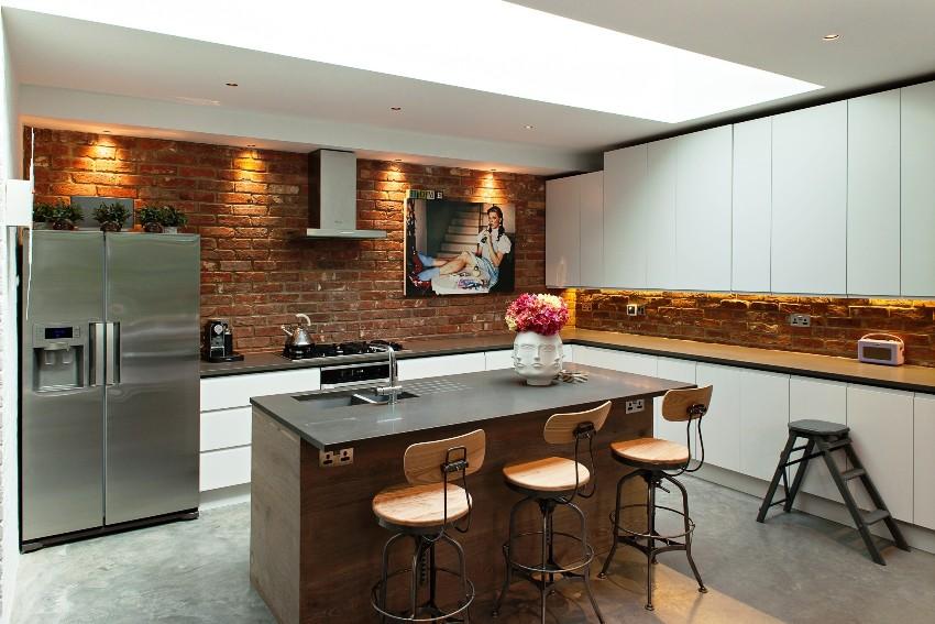 Перед тем как приобрести кухонный гарнитур нужно учесть сколько людей будут использовать кухню