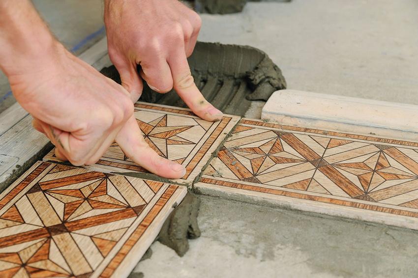 Укладка керамической плитки на балконе - процесс, который можно выполнить самостоятельно или с привлечением профессионалов