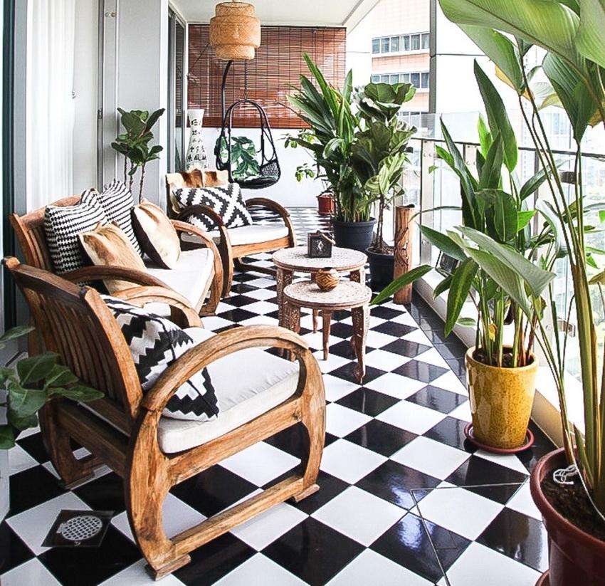 Керамическая плитка позволяет создать уникальный дизайн и является устойчивым покрытием для любых балконов