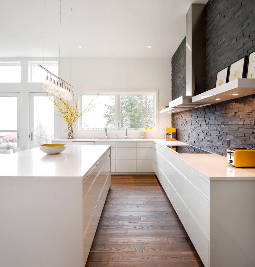 Кухонные полки из натурального или искусственного камня выглядят презентабельно, но дорого стоят