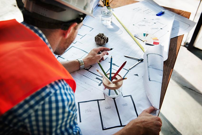 Проект состоит из плана этажей и крыши, архитектурных разрезов, фронтальной стороны здания, а также поясняющей инструкции