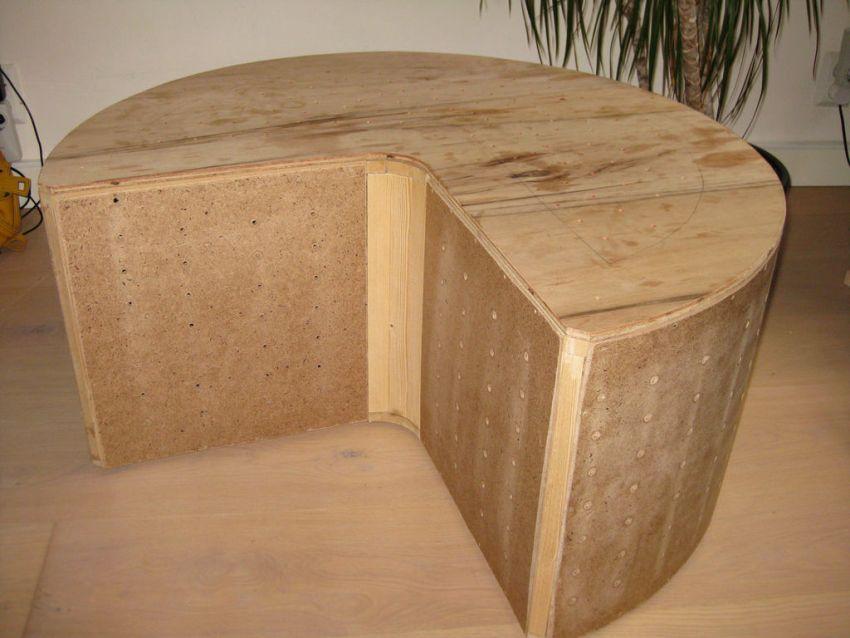 Чтобы изготовить своими руками пуфик с местом для хранения, понадобится лист МДФ или фанеры толщиной 10 мм