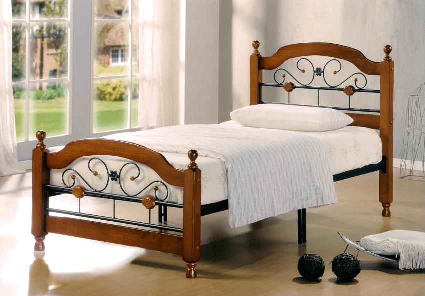 Металлический каркас односпальной кровати считается наиболее прочным и надежным вариантом