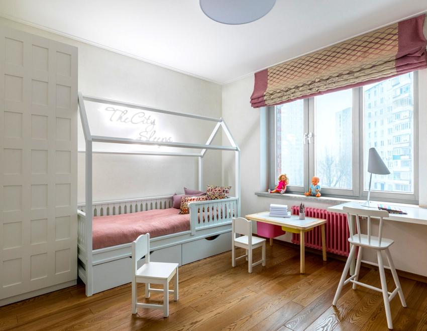 Для маленьких детей лучше приобретать кровать, оснащенную ограждениями