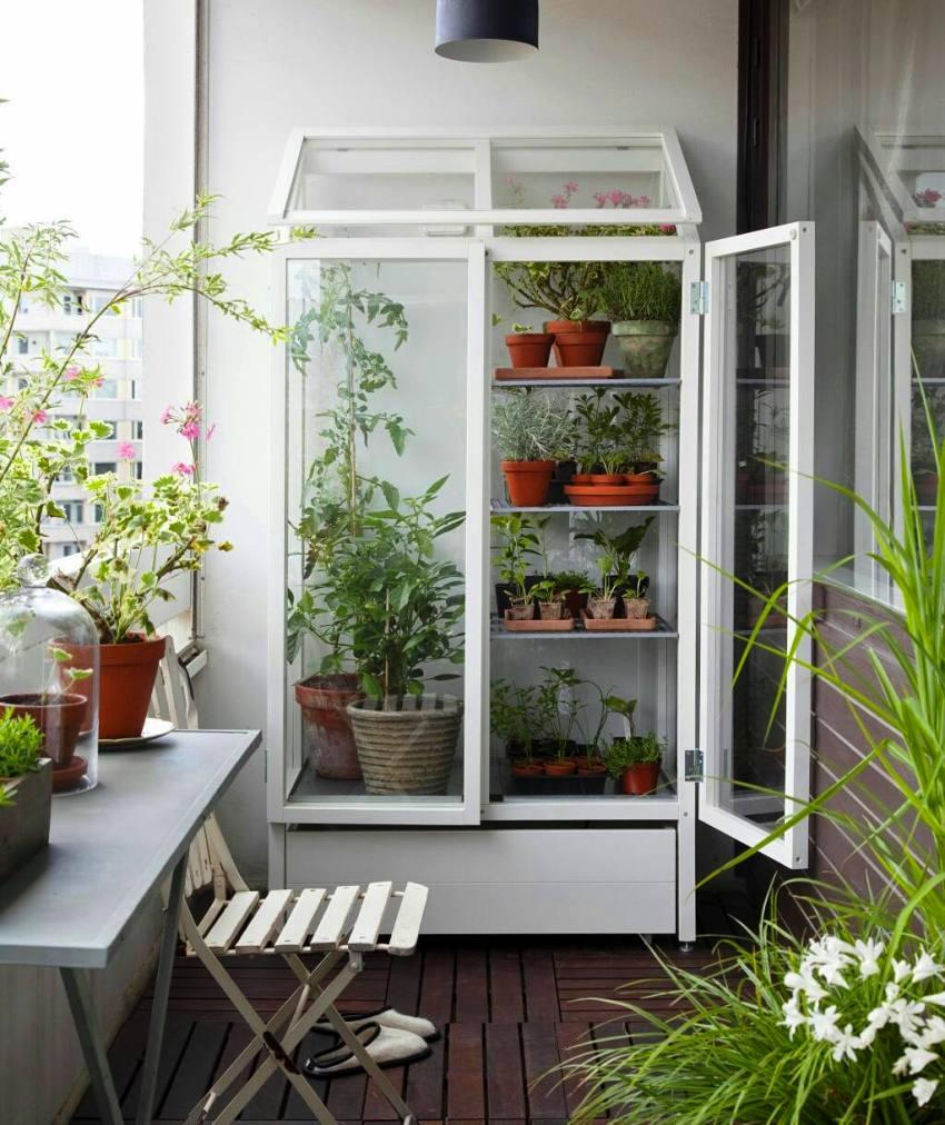 Шкаф на балкон: гарантия эргономики и функциональности в помещении подробно, с фото