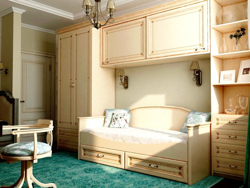При покупке шкафа прованс обращайте внимание на декоративные элементы и фурнитуру
