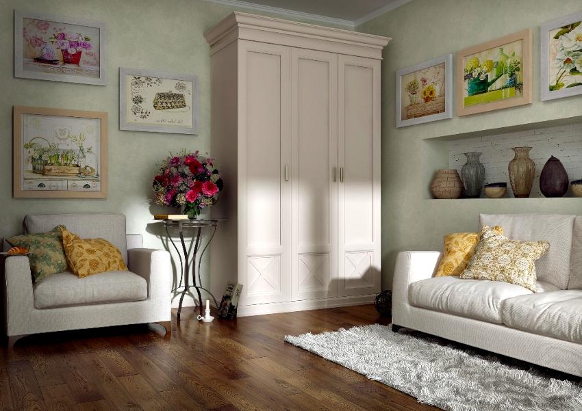 При выборе шкафа прованс нужно учитывать наличие пространства для открывания ящиков и створок