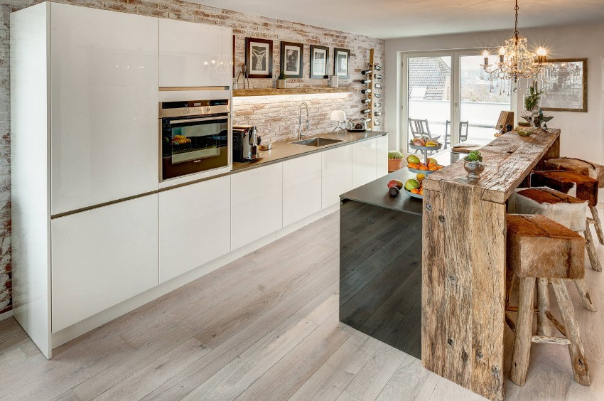 Кухня в современном стиле - это просторное и светлое помещение с рациональной планировкой и простым мебельным решением