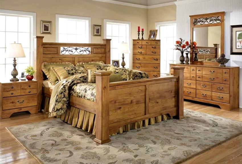 Основные элементы мебели спальни в стиле кантри, ‒ кровать и комоды, должны быть выполнены из дерева