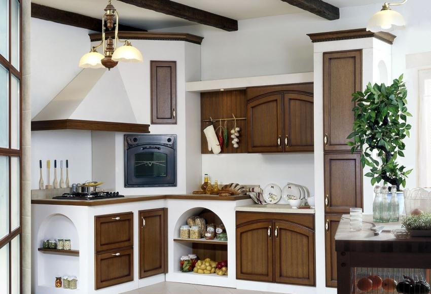 Кухня в стиле кантри подразумевает использование встроенной бытовой техники