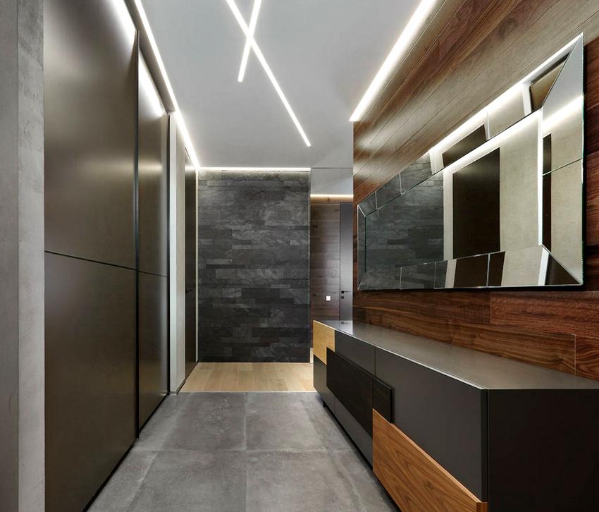 Удачным решением является, когда мебель и другие элементы интерьера в прихожей сливались со стенами и потолком
