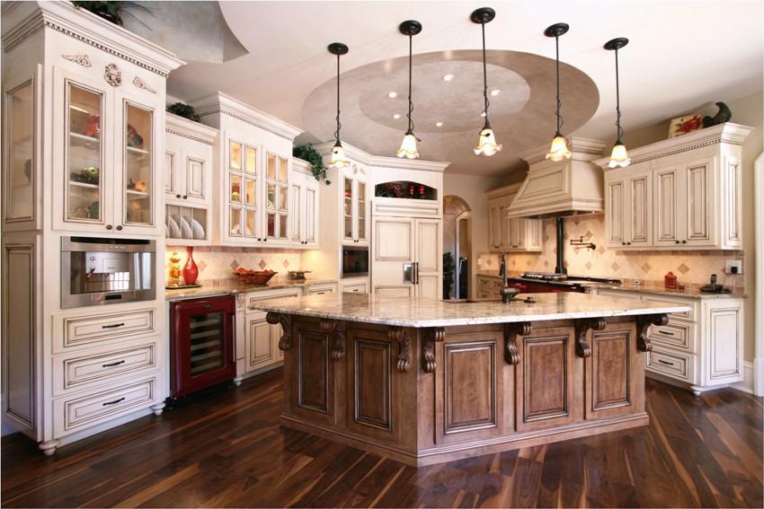 В классической кухне используют тёплые, уютные, мягкие цвета и текстуры