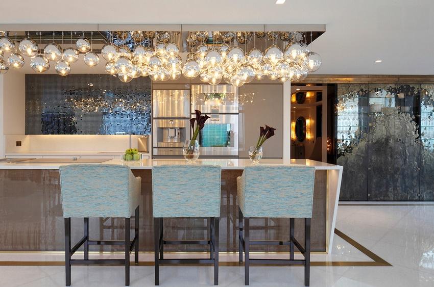 Изысканные и оригинальные кухни в стиле арт-деко способны придавать особый шарм жилищу и создавать непринужденную атмосферу роскоши